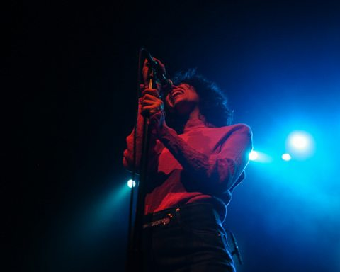 Tei Shi Performs at The Warfield in San Francisco