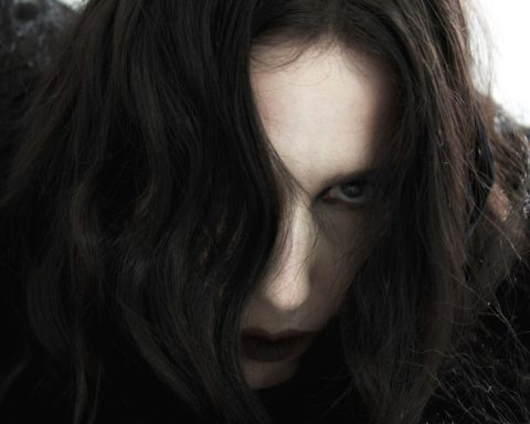 "Chelsea Wolfe drops new single ""The Culling"""