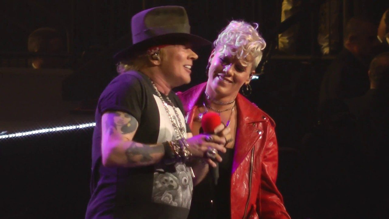Pink Duets With Axl Of Guns N 39 Roses On 39 Patience 39 At Madison Square Garden Music In Sf The