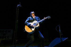 Richard Ashcroft of the Verve playing his heart out at the Masonic in San Francisco